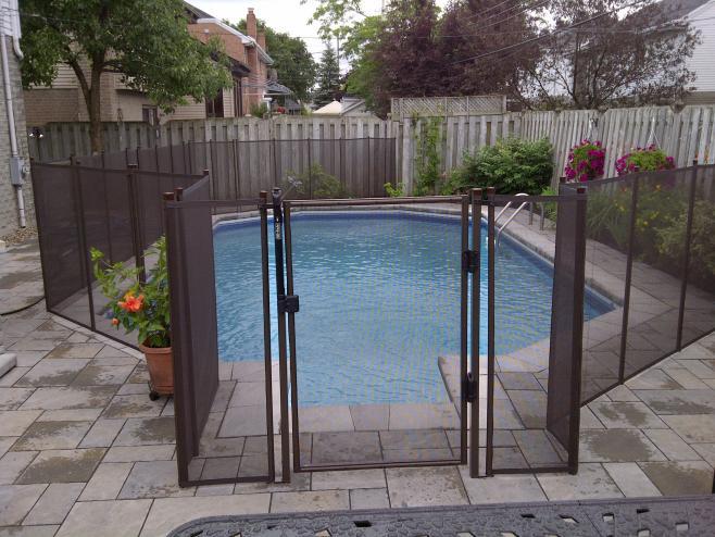 Mesh Pool Fencing